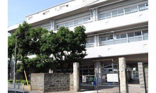 横浜市立生麦小学校まで557m。子どもが夢をもち、元気に学校生活を送り、勇気をもって行動できるようにします。