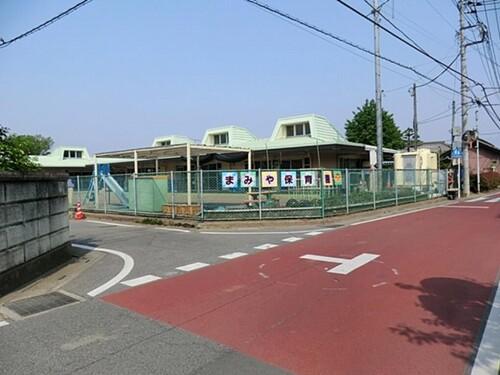 幼稚園・保育園(720m)