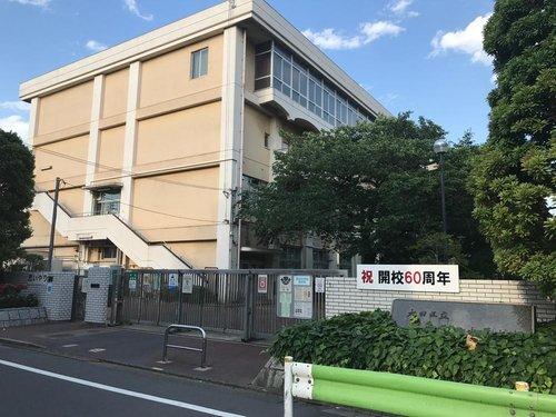 大田区立蒲田中学校まで850m 生徒一人一人が輝ける蒲田中にしていきたいと思います。