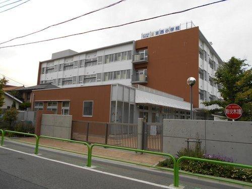 世田谷区立京西小学校まで900m 東京都世田谷区用賀4丁目に所在する公立小学校。1879年に設立。