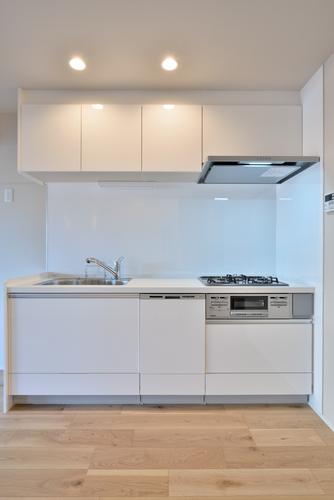 白ベースの高級感あふれるキッチン♪
