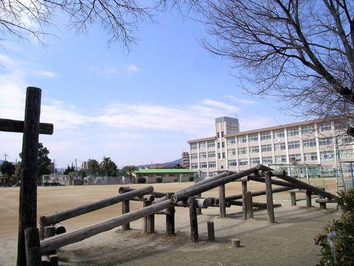 加茂小学校