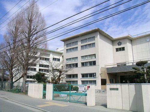 川西南中学校