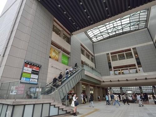 ショッピングセンター(1800m)
