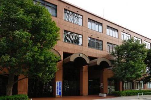 港区立港南中学校まで1680m 東京都港区港南四丁目にある1963年(昭和38年)に設立された公立中学校。