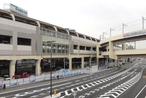 京急蒲田駅まで1300m。高架化工事完成により2面6線の形態となった、羽田空港への窓口。品川駅まで特急で13分、横浜方面へのアクセスも良好です。