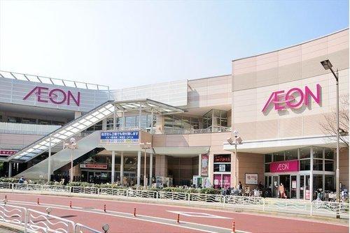 イオン東雲店まで500m。歩いて行ける距離にスーパーがあると生活に便利ですね。
