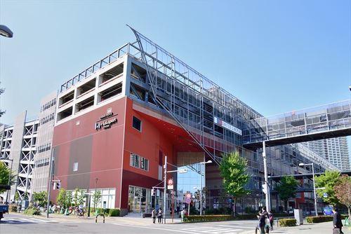 アーバンドックららぽーと豊洲まで415m。 お食事やお買い物が楽しめるショッピングセンター。