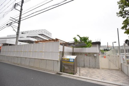幼稚園・保育園(150m)