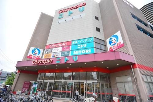 ショッピングセンター(160m)