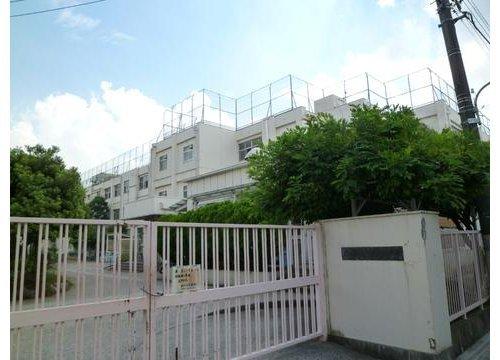 大田区立多摩川小学校まで280m。東京都大田区矢口3丁目にある区立小学校。昭和31年に開校。