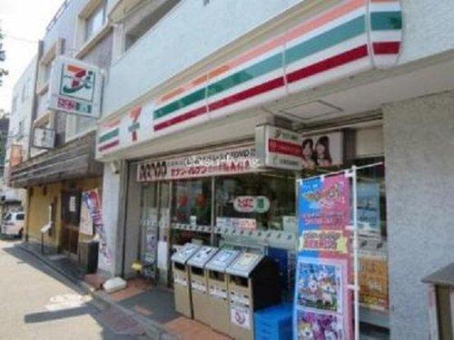 セブンイレブン渋谷東4丁目店まで183m いかなる時代にもお店と共にあまねく地域社会の利便性を追求し続け毎日の豊かな暮らしを実現する。