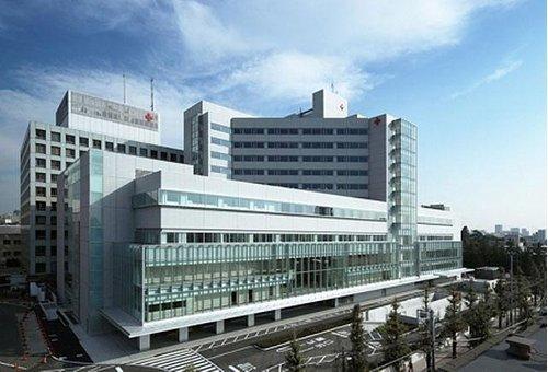 日本赤十字社医療センターまで1280m 赤十字精神である人道・博愛を体現する病院として、 高度かつ安全な医療を通して、皆様のより健やかな生活を 支援していきたいと願っています。