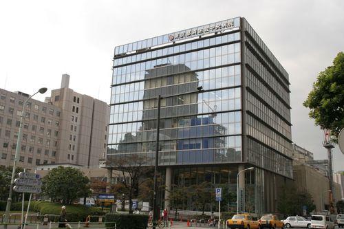 東京都済生会中央病院まで1000m。「済生の精神」に基づいた思いやりのある保健・医療・福祉サービスの提供を通じて社会に貢献します。