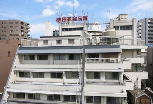 牧田総合病院まで1400m。急性期医療から予防医学などの包括的な医療体制を同一法人内ですべて完結し、 垣根のない医療サービスを提供しています。