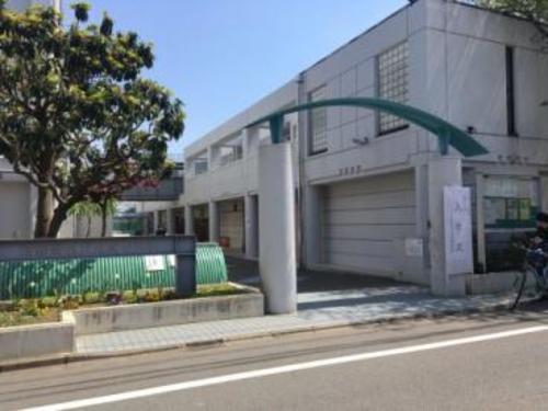 世田谷区立用賀中学校まで1000m。【教育目標】自立・敬愛・精励。