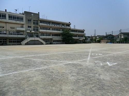 小学校(600m)