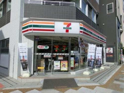 セブンイレブン江東区役所前店まで247m。いつでも、いつの時代も、あらゆるお客様にとって「便利な存在」であり続けたい。 皆さまの「生活サービスの拠点」となるよう力を注いでいます。