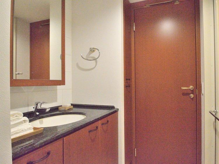 まるでホテルのような高級感のある洗面ボウルです。品のあるデザインが毎日の生活に潤いを与えてくれます。