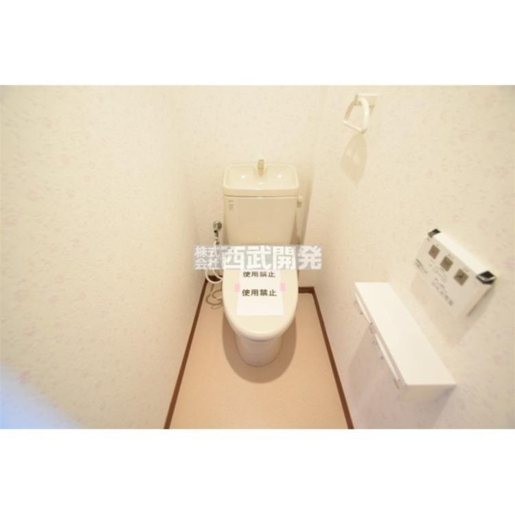 清潔感のあるウォシュレット付きのトイレはリラックスできる空間です。
