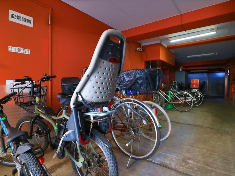 敷地内駐輪場は月額500円でご利用いただけます。