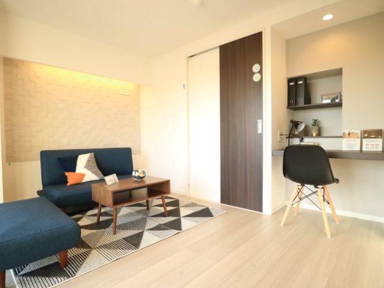すぐに新生活を始められるよう、家具付きのお部屋。お好みの空間を創り上げられます。