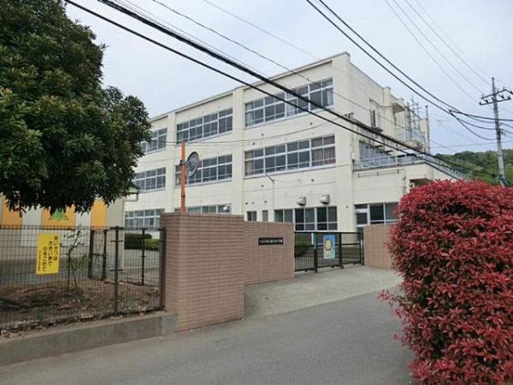 由木東小学校 690m