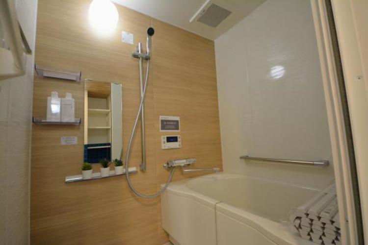 〇浴室〇  空気もこもらずいつもクリーンな浴室乾燥機付