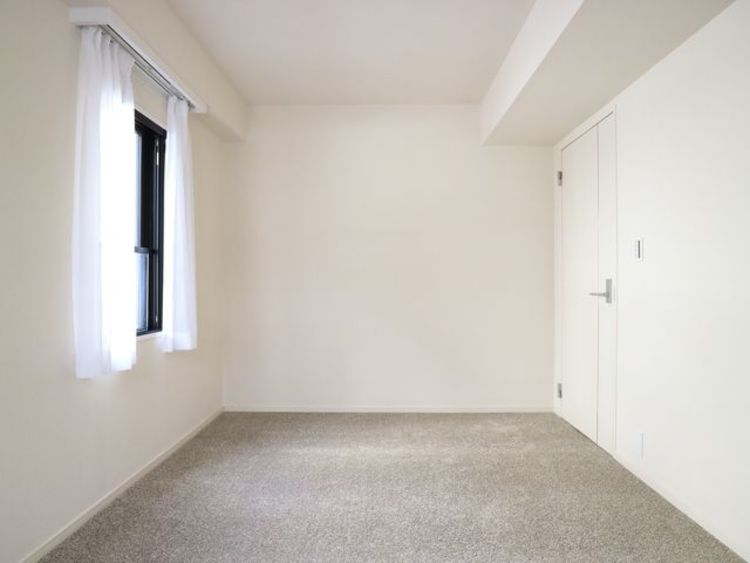 過ぎ行く時間をゆったりと感じることができる落ち着いたお部屋。