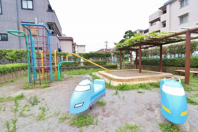むつみ児童遊園から約953m、心行くままに季節の流れを感じ、ゆったりとした一時を。時間の流れを取戻し、休日はスローライフを。日々の疲れを癒してくれる自然がすぐそばに。