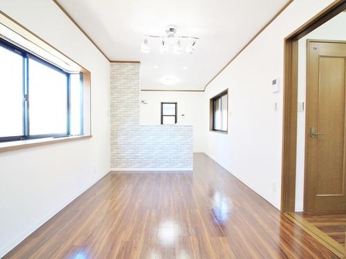 (本日見学OK) モダンな和空間に癒されるお家の画像