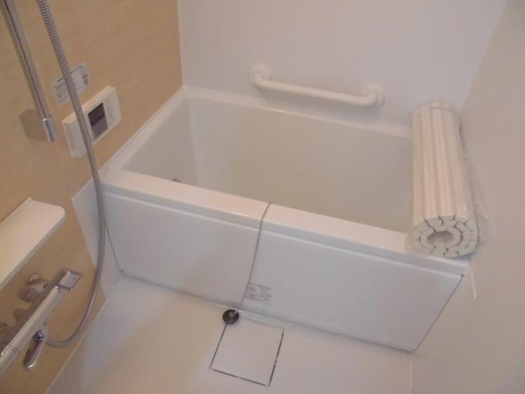浴室乾燥機完備の浴室♪季節を問わず快適な入浴を楽しめます♪