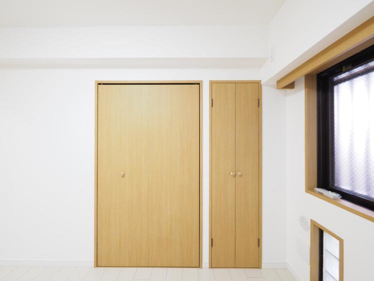 造り付けのクローゼットがあると、部屋を広く使える上に、地震のときにタンスが倒れてくる心配がない。