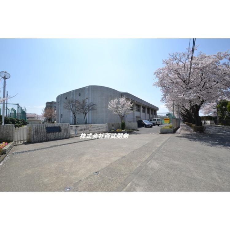 第七中学校(約710m)