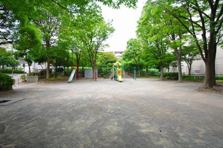 南菅生けやき公園 距離190m