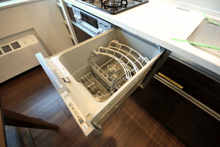 人気の食洗機が備わっています。家事の負担を減らし時間を有効に使えます