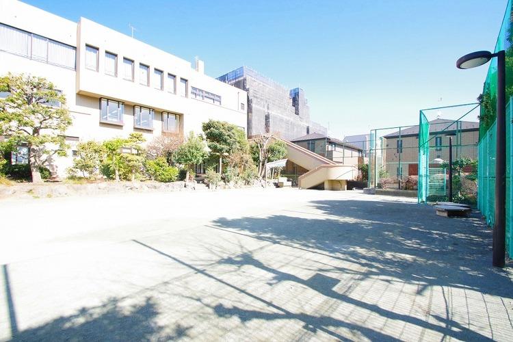 世田谷区立弦巻児童館 距離70m