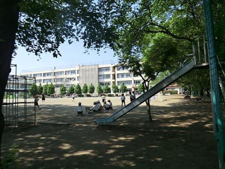 日野第七小学校 680m