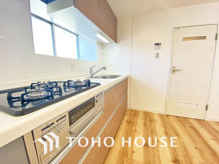 使い勝手の良い設備のキッチンで効率よくお料理もできます。