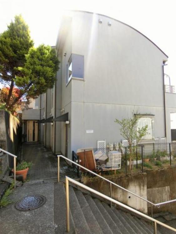 小田急線「玉川学園前駅」徒歩8分の立地に、巨大中古戸建の登場♪