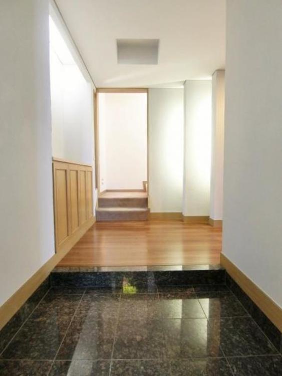 玄関スペースは何人もが一斉に出掛けがかぶっても困らないほどの広さです♪