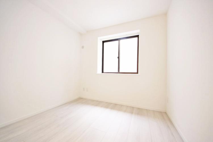 1階のお部屋にも採光があるのがうれしいですね