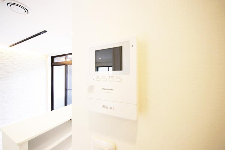 モニター付インターホンで、安心のセキュリティシステム