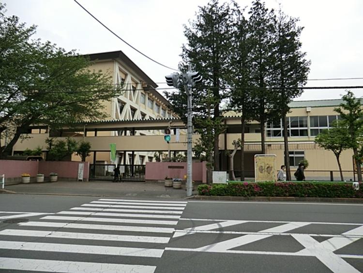 日野市立第四中学校 距離約1500m