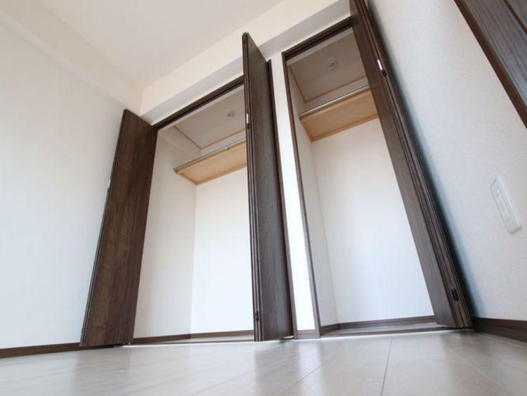 各居室、収納が付いたプライベート空間。整理整頓でお部屋を広くお使いいただけます。