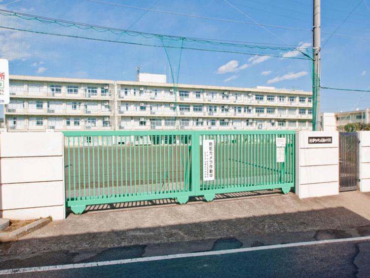 町田市立成瀬台中学校 距離約650m
