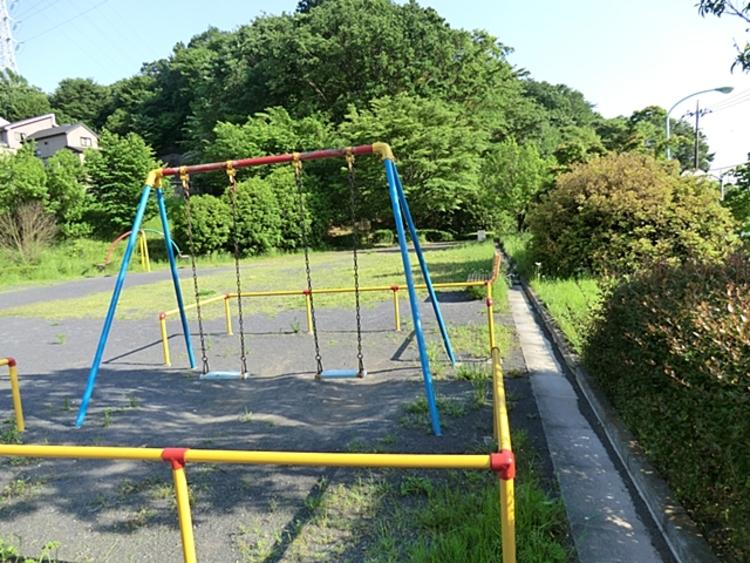 成瀬奈良谷戸公園 距離約350m