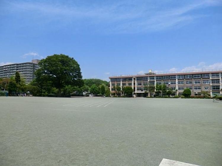 上壱分方小学校 730m