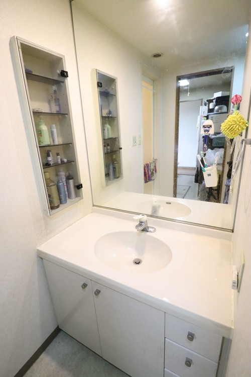 毎日使う場所だからこそ自分の好きな色・素材を使った魅せる洗面台に。