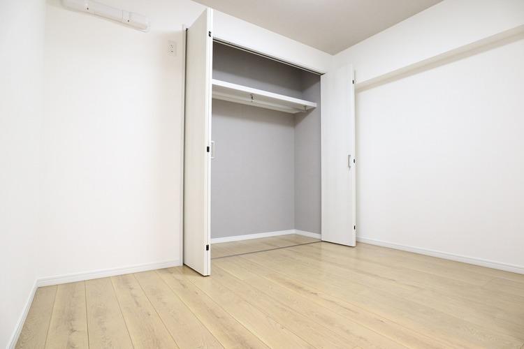 各洋室に幅広のクローゼットを設置しています
